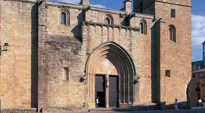 Santa Iglesia de Santa María